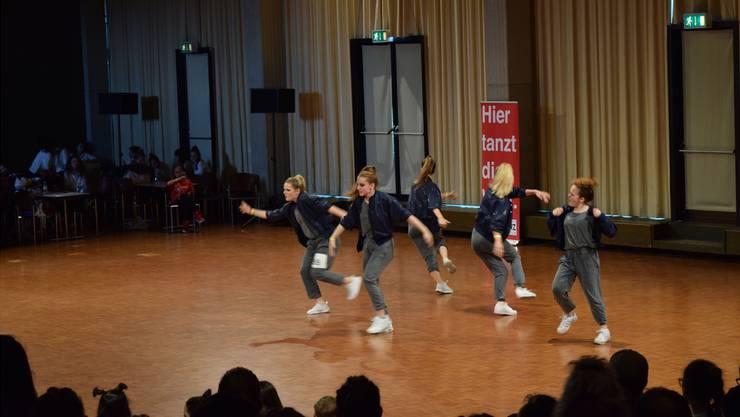 Die fünf jungen Frauen der Badener Dance Crew Precious. Fabienne Naef
