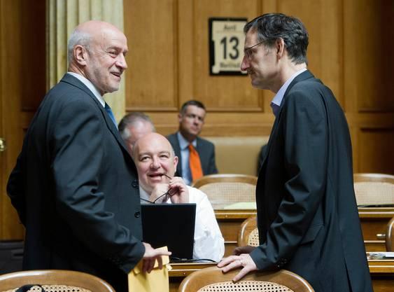 Von 1991 bis 2011 war Simon Schenk (links) für die SVP im Nationalrat. Diese Aufnahme datiert von 2011. Darauf zu sehen sind die SP-Nationalräte Daniel Jositch (Mitte) und Mario Fehr (rechts).