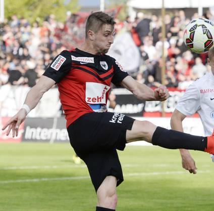 Stephan Andrist (l.) wechselte in der Winterpause der Saison 2013/14 vom FC Basel zu Aarau.
