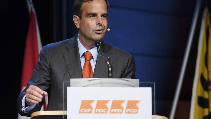 Mit einer Krankenkassen-Initiativen und neuen Parteileitlinien will CVP-Präsident Gerhard Pfister seiner Partei neuen Schwung verleihen.