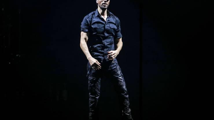 Das Prinzip ist ganz einfach: Rennen die Zwillinge von Enrique Iglesias nicht gleich weg, wenn er ihnen seine Musik vorspielt, dann sind die Songs gut. (Archivbild)
