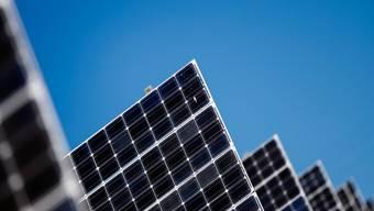 Nebst einem verschärften CO 2 -Gesetz fordert die nationalrätliche Umweltkommission auch eine Photovoltaik-Offensive.