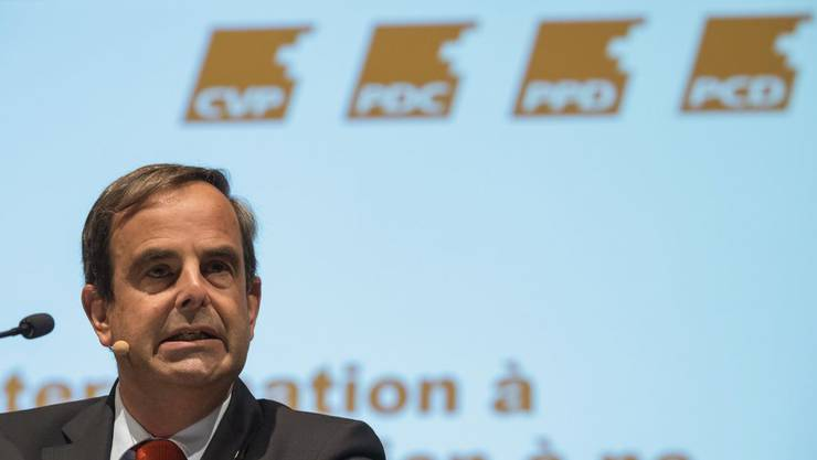 CVP-Präsident Gerhard Pfister lässt zwei Umfragen zur C-Diskussion machen.