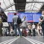 SBB wollen bei Verspätungen besser informieren. (KEYSTONE/Ennio Leanza)