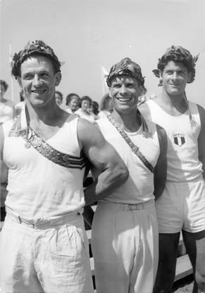 Eugen Holzherr (links) wurde 1955 eidgenössischer Turnfestsieger im Nationalturnen.