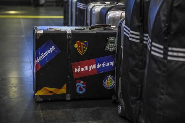 Der Basler Europa-League-Koffer.