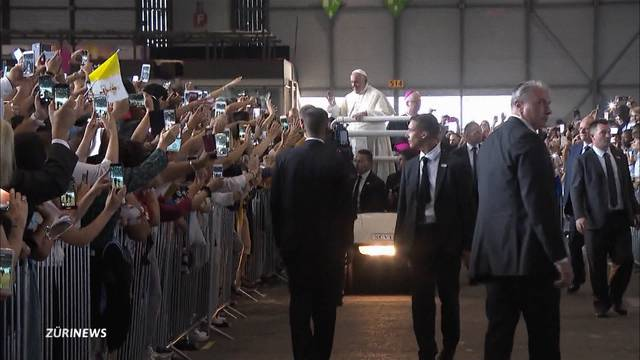 Der Papst ist da!