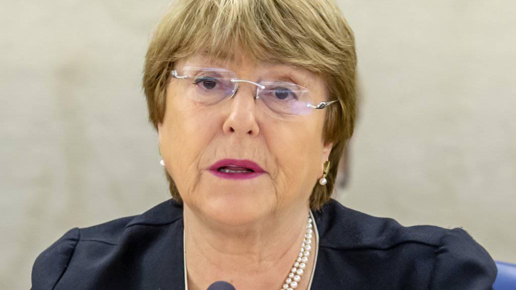 Die Uno-Hochkommissarin für Menschenrechte, Michelle Bachelet, hat die Staaten dazu aufgerufen, Kinder und Frauen ausländischer IS-Kämpfer aus dem Irak und Syrien in ihre Heimatländer zurückzuführen.