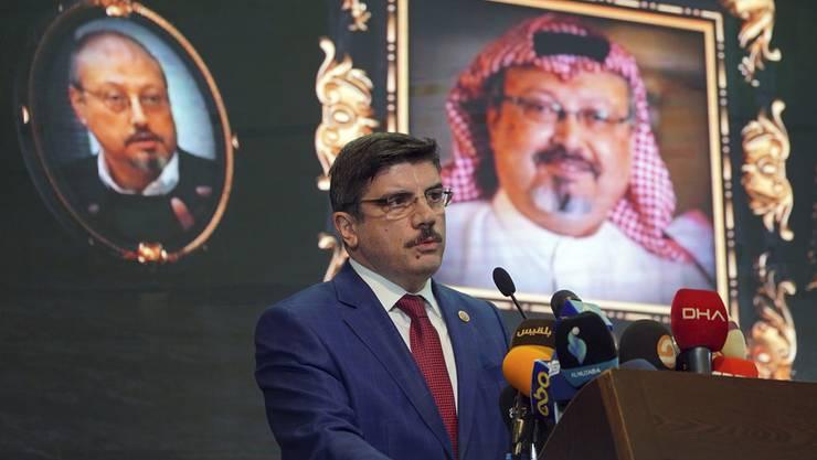 Yasin Aktay, Berater des türkischen Präsidenten Erdogan, während einer Medienkonferenz zum Mord an Jamal Khashoggi.