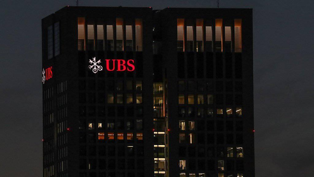 Die UBS gerät erneut in de Fokus von Steuerfahndern. Offenbar geht es um Vorwürfe der Steuerhinterziehung.