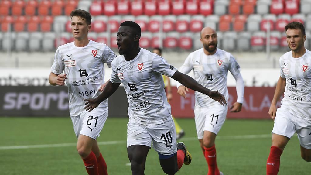 Mohamed Coulibaly (Nr. 10) trifft doppelt für Vaduz