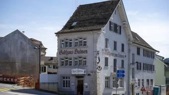 Im ehemaligen Restaurant Salmen sollen zwei Wohnungen eingebaut werden. (Bild: 10. September 2020)