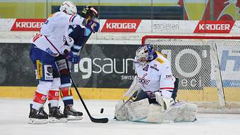 Kloten-Goalie Gerber und Beschuss