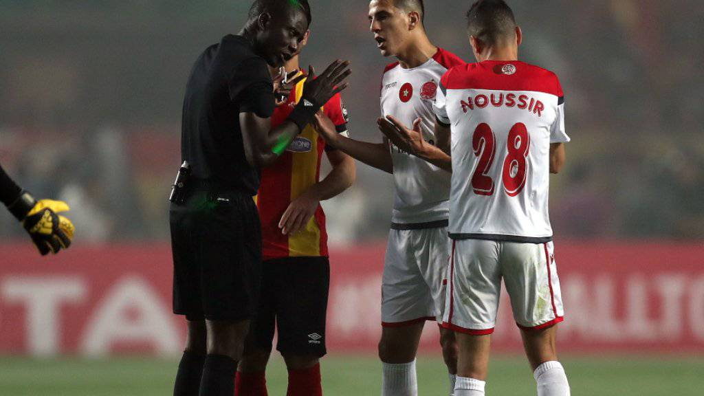Weil der Videobeweis nicht funktionierte, weigerten sich die Spieler des marokkanischen Finalisten Wydad Casablanca das Final-Rückspiel fortzusetzen