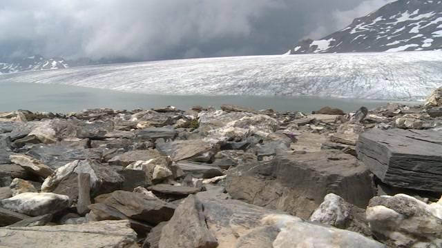 Gletschersee bedroht Lenk