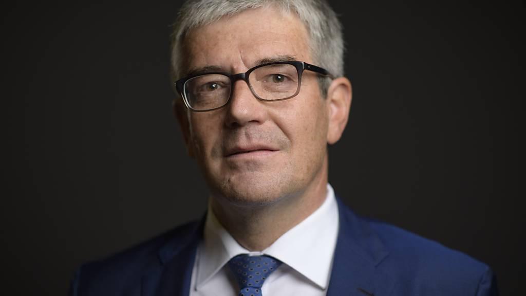 Regierungsrat Jon Domenic Parolini hat auf Antrag der Wettbewerbskommission über die Werkbeiträge für professionelles Kulturschaffen entschieden. (Archivbild)