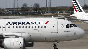 Tests jetzt auch an Frankreichs Flughäfen. (Archivbild).