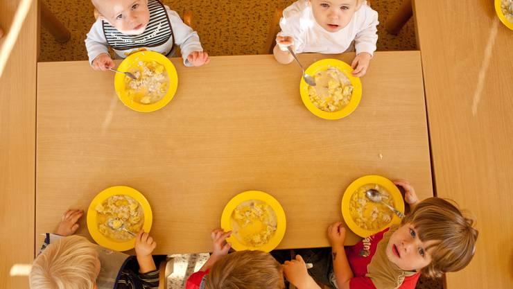In den Krippen wären die Kinder auch über den Mittag versorgt.
