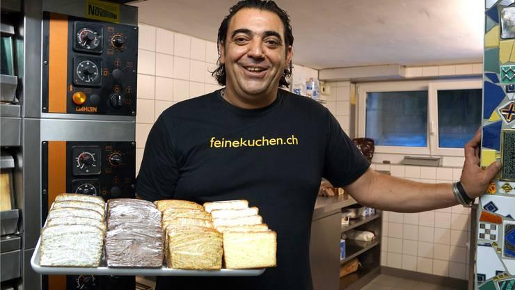 Der Secondo Fernando Cassano in seiner Backstube in Schinznach-Dorf. Ursula Burgherr