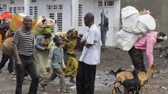 Tausende Menschen fliehen vor den Kämpfen bei Goma(Archiv)