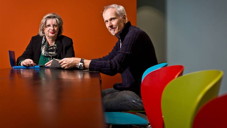 RAV-Leiterin Linda Baldinger und Personalberater Martin Burger im Aufenthaltsraum. Chris Iseli