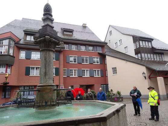Brunnentour Laufenburg am Marktplatzbrunnen.