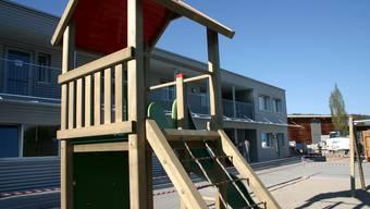Die im Oktober eingeweihte Asylunterkunft hätte für Fussgänger besser erschlossen werden sollen - auch wegen der Kinder.