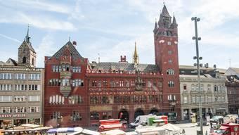 Ins Basler Rathaus wollen sie alle, Platz hat's nur noch für drei.