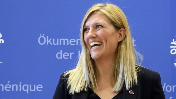 ICAN-Direktorin Beatrice Fihn freut sich über den Nobelpreis.