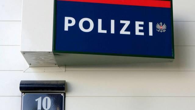 Polizeischild in Wien (Archiv)