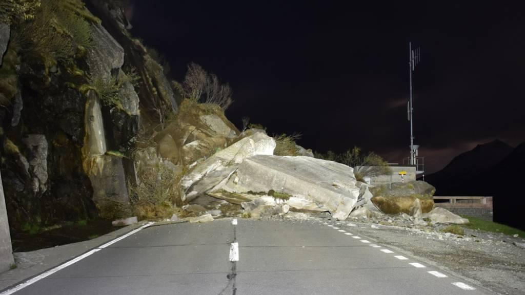 Lukmanier-Passstrasse wird besser vor Steinschlag geschützt