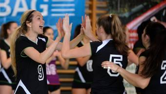 Shelby Sullivan (links) führte den VBC Gerlafingen in ihrem Abschiedsspiel zum Sieg gegen Volley Schönenwerd.