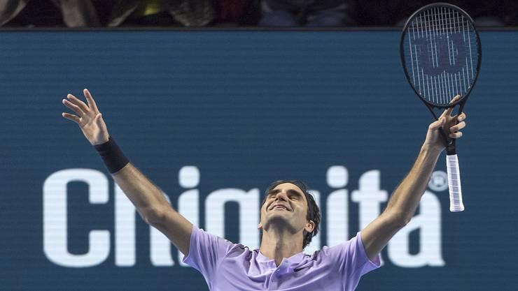 6:7, 6:4 und 6:3. Roger Federer gewinnt gegen Juan Martin del Potro. Damit ist er zum achten Mal Sieger der Swiss Indoors Basel.
