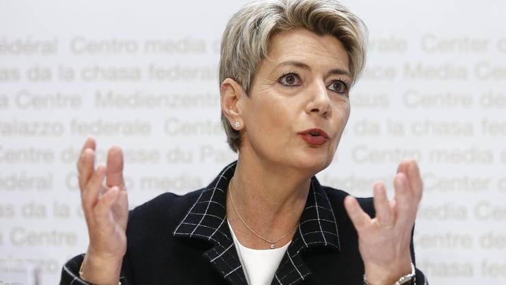 Bundesrätin Karin Keller-Sutter im Bundes-Medienzentrum.