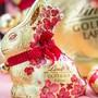 Seit 2010 werden weltweit jährlich über 100 Millionen Stück des Goldhasen von Lindt & Sprüngli verkauft.