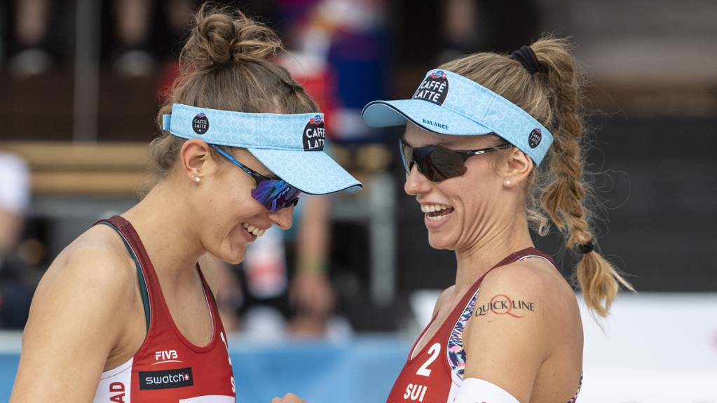 Tanja Hüberli und Nina Betschart haben derzeit gut lachen: In Ostrava stehen sie schon wieder in den Viertelfinals. (Archivbild)