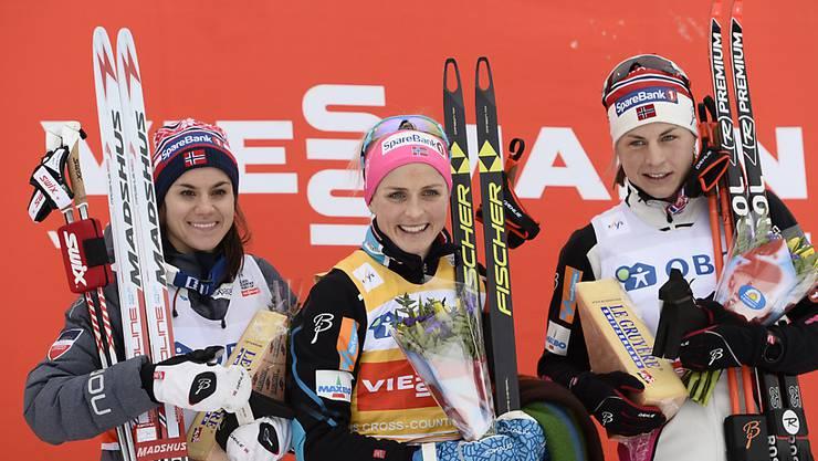 Therese Johaug (Mitte) feierte in Montreal einen überlegenen Sieg