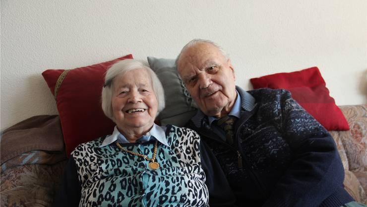 Rosa und Paul Meier sind 70 Jahre verheiratet und noch gern jeden Tag zusammen. Heute leben sie im Alterszentrum Bifang in Wohlen.