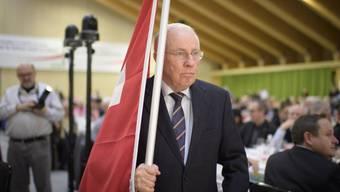Blocher kämpft gegen eine Übernahme der EU-Waffenrichtlinie.