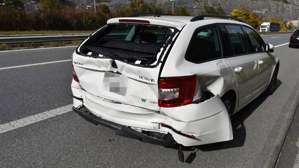 Auffahrkollision auf der A13 wegen schlecht gesicherter Rohre