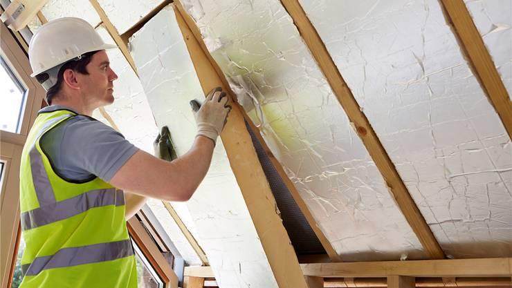 Das Energiepaket bezahlt Förderbeiträge an die Isolation von Häusern.