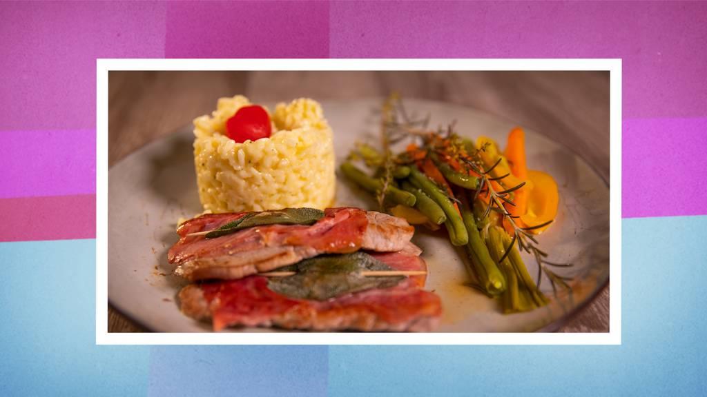 Saltimbocca alla romana mit Risotto und Gemüse