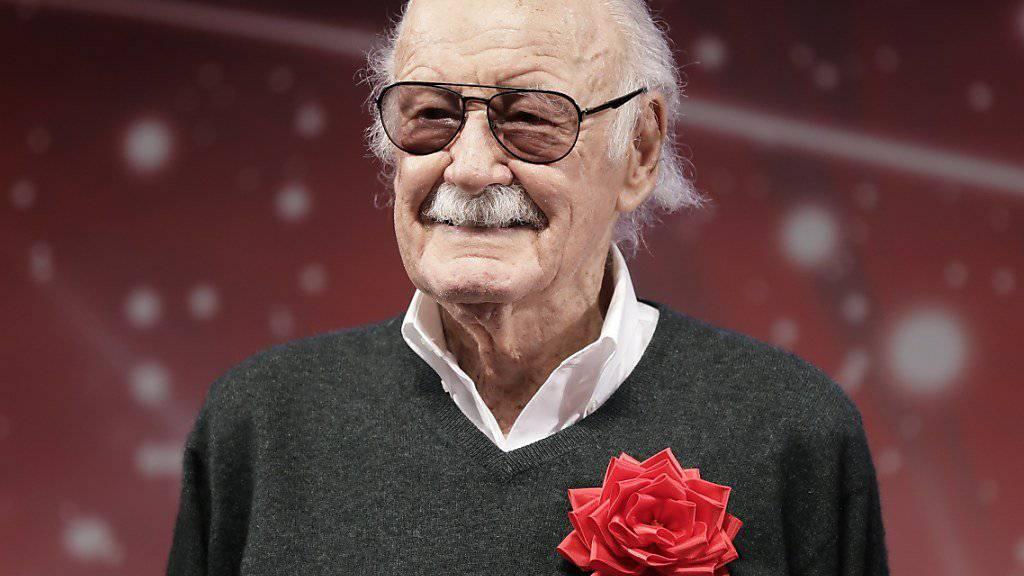 Stan Lee war an der Erfindung von Superhelden wie Spider-Man und Black Panther beteiligt und baute das Comic-Imperium Marvel auf.