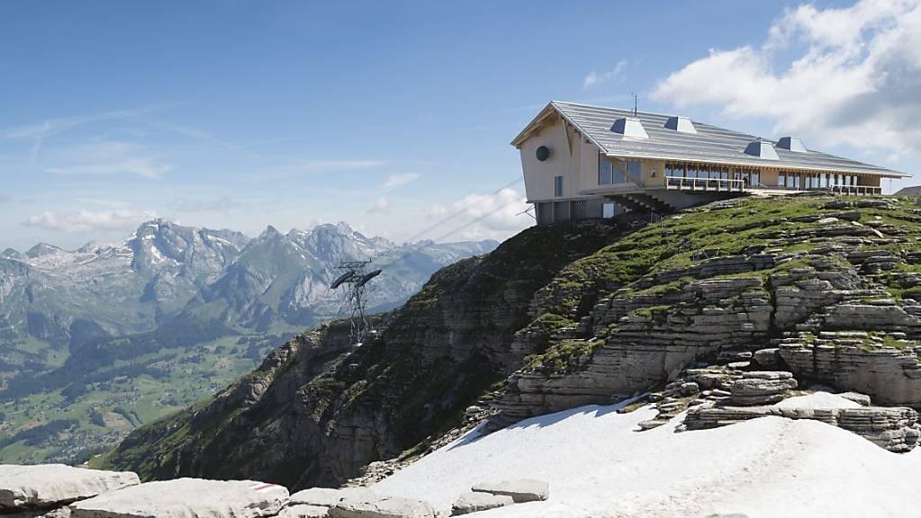 Das ohne öffentliche Gelder finanzierte neue Bergrestaurant auf dem Chäserrugg wurde von den Basler Architekten Herzog & De Meuron entworfen. (Archivbild)