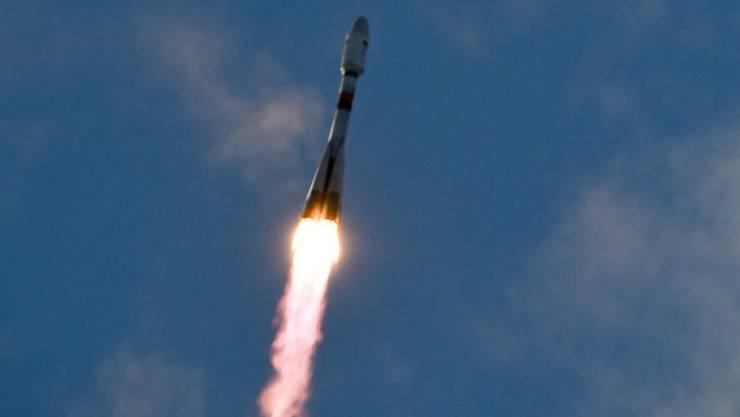 Eine Sojus-Rakete bringt sechs Satelliten für kostengünstiges Internet auf der Erde ins All. (Symbolbild)