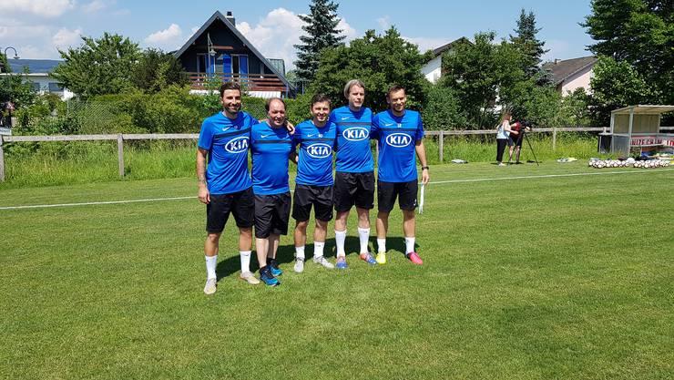 Trainer Marinko Jurendic (Mitte) flankiert von Konditionstrainer Tobias Powalla, Sportchef Raimondo Ponte, Assistenztrainer Stephan Keller und Goalietrainer Lorenzo Bucchi.