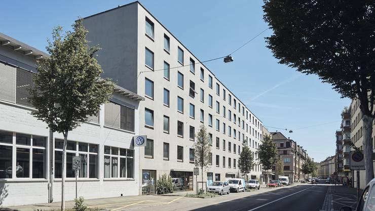 Abweisend banal: Apartmenthaus an der Schönaustrasse (1996–2002)