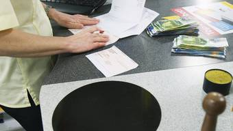 Sunrise-Kunden müssen Postschalter-Gebühren bei Einzahlungen selber berappen (Symbolbild)