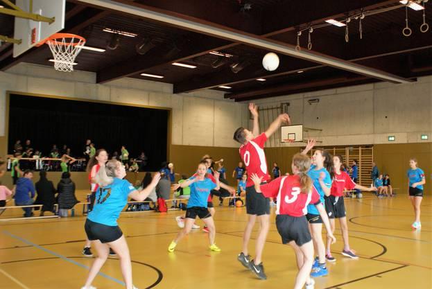 Kategorie U16 Deitngen(1) spielt gegen Baloise Bank SoBa