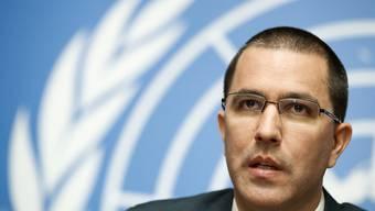 Der venezolanische Aussenminister Jorge Arreaza sagte in Genf, sein Land sei offen für Hilfslieferungen, aber nicht durch Gewalt, wie die USA es versucht hätten. (Archivbild)